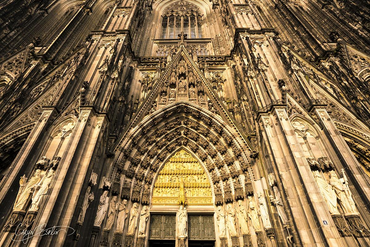 Caryn-Esplin_CologneCathedral-FrontFacadeHZ copy